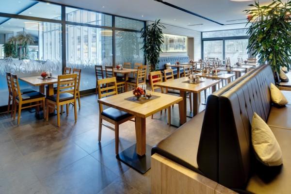 Hallenbadrestaurant-Vilshofen-1_web_1200x800-1024x682